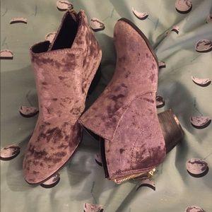 Mauve Velvet Ankle Booties Size 6.5 NWOB